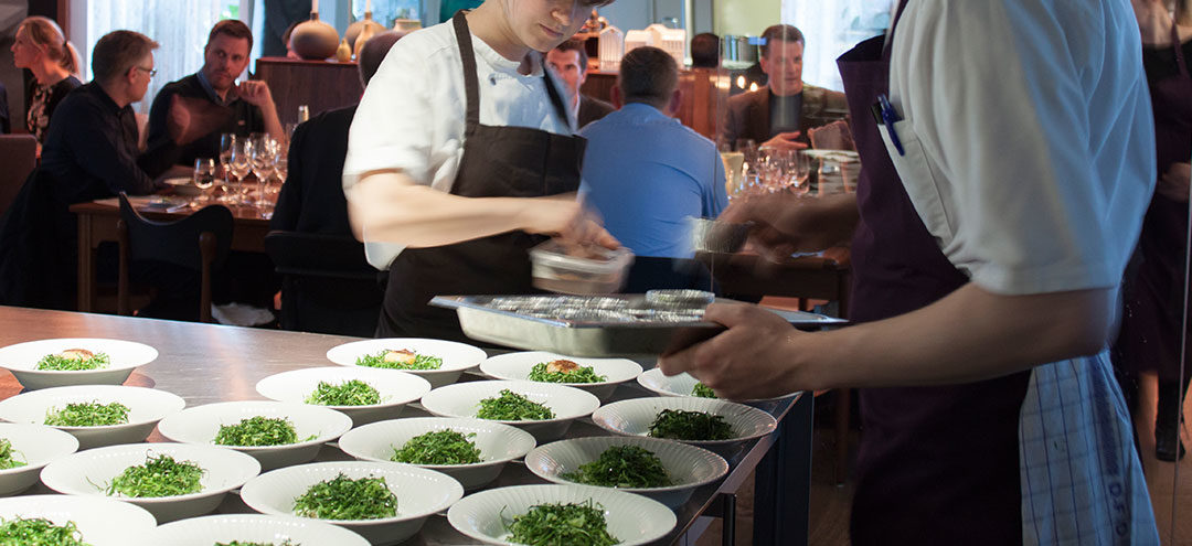 plating-up-at-a-restaurant